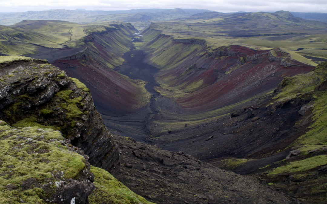 The volcanic Canyon and Laki craters